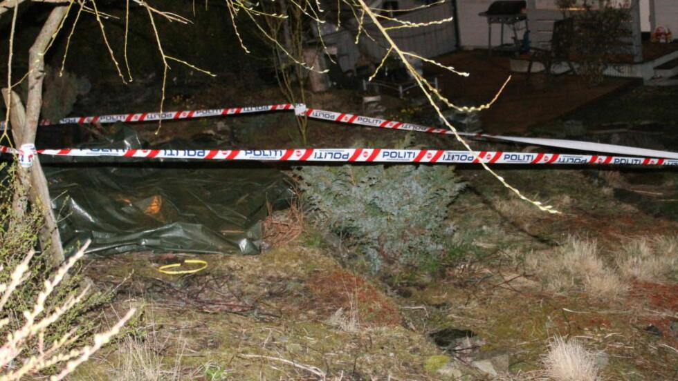 SPRENGSTOFF:  Ble funnet i hagen til en mann i Sandnes. Foto: Ronny Hjertås.