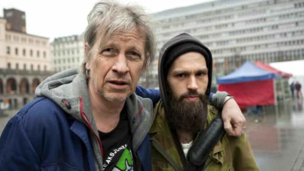 STEFAN OG Æ: Den nordnorske artisten Erling «Æ» Ramskjell og Stefan Sundström er både samarbeidspartnere og gode venner. Foto: Anders Grønneberg