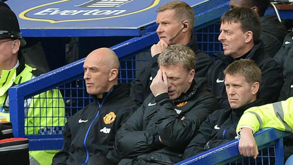 NEDTUR:  Manchester United-manager David Moyes deppet da laget gjestet gamleklubben Everton. Foto: EPA/PETER POWELL