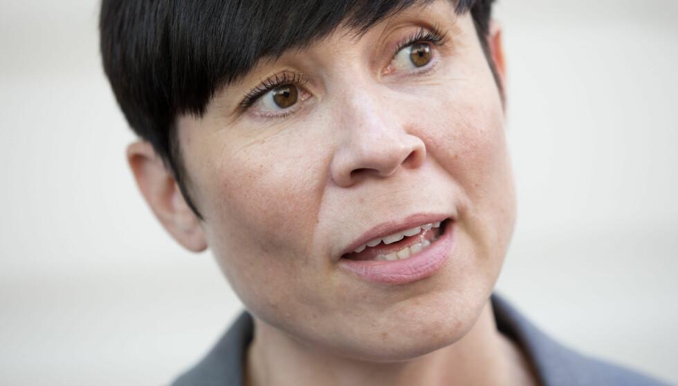 FÅR REFS: Flere er kritiske til måten forsvarsminister Ine Eriksen Søreide (H) uttalte seg på da hun kommenterte lekkasjen av hemmelige regjeringsnotater overfor NRK i dag. Foto: Håkon Mosvold Larsen / NTB Scanpix