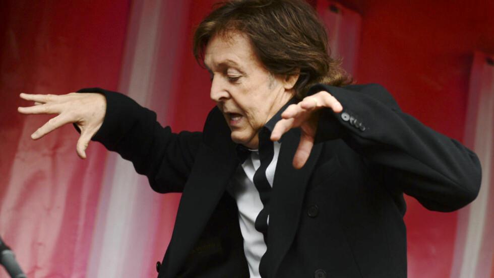 JULEMUSIKK: Flere internasjonale medier mener ex-Beatle Paul McCartney har skrevet tidenes verste julelåt. Foto: Reuters / NTB Scanpix