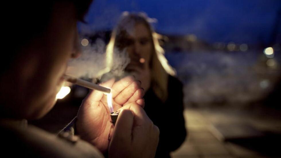 TIL KAMP: Myndighetene vil friste folk til å slutte å røyke. Foto: Torbjørn Katborg Grønning  / Dagbladet