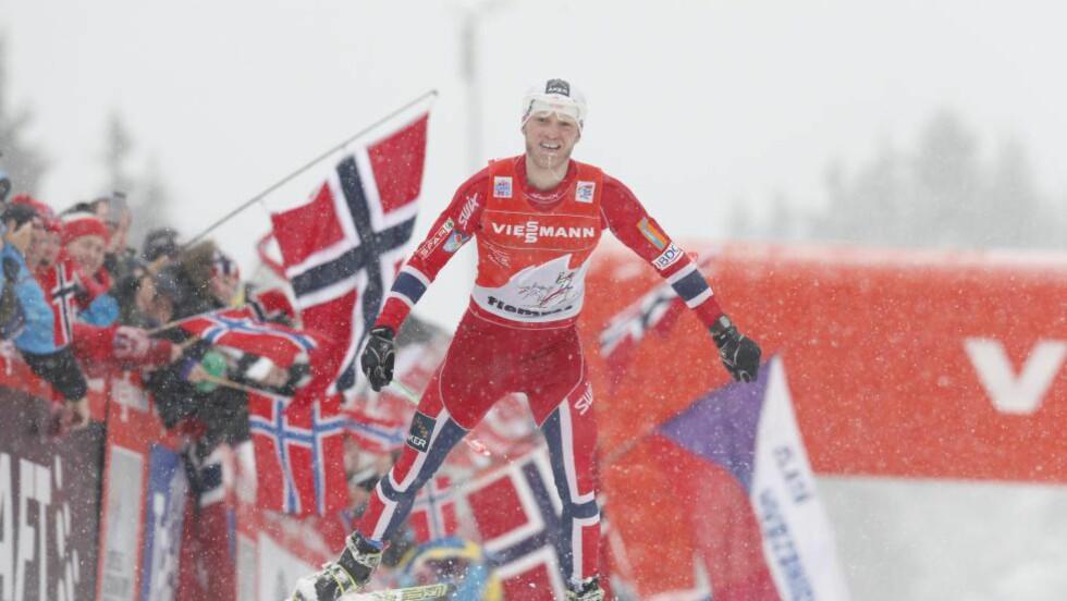 SEIERHERRE: Martin Johnsrud Sundby vant Tour de Ski. Foto: Terje Bendiksby / NTB Scanpix