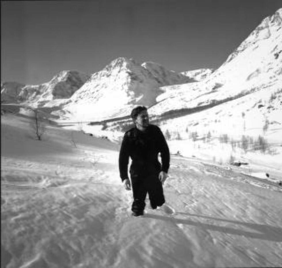 MINST NI LIV: Den vanvittige flukthistorien er kjent gjennom Arne Skouens film der Jack Fjeldstad spiller Jan Baalsrud.  Foto: Aage Storløkken