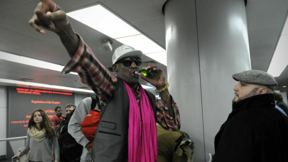 TREDJE BESØKET: Rodman har besøkt det lukkede landet tre ganger i løpet av det siste året. Foto: AFP / WANG ZHAO / NTB scanpix