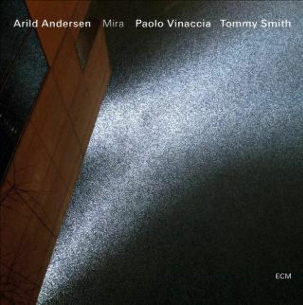 ANDERSEN/VINACCIA/SMITH: Ballader med klo og kraft.