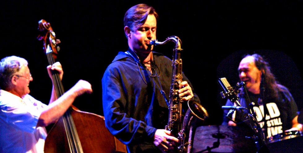 GOD STEMNING: Arild Andersen, Tommy Smith og Paolo Vianccia i god balladestemning på Kongsberg Jazzfestival i 2009. Fredag kommer trioens album nummer to. FOTO: TERJE MOSNES