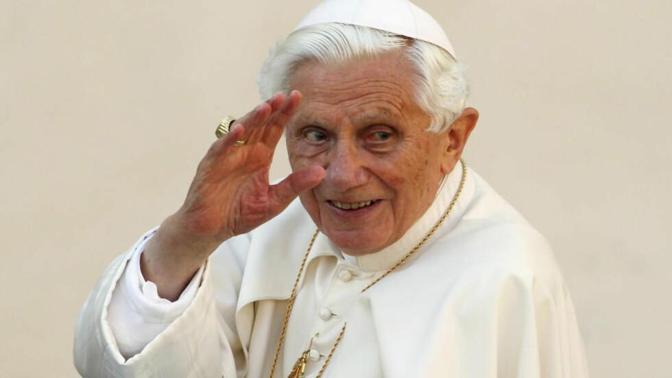 KVITTET SEG MED OVERGREPSPRESTER: Pave Benedikt sa opp flere hundre prester i den katolske kirken. Overgrepsskandalen har ridd den katolske kirke som en mare de siste årene. Foto: Reuters / NTB Scanpix