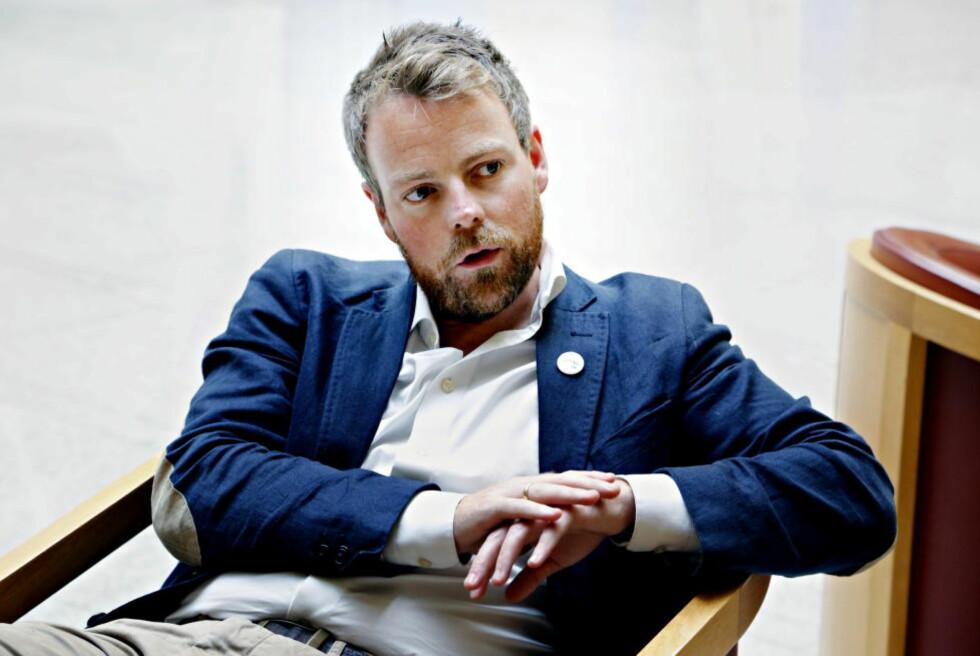 TAR PAPPAPERM:  Kunnskapsminister Torbjørn Røe Isaksen blir i juni far for første gang. Foto: Jacques Hvistendahl / Dagbladet