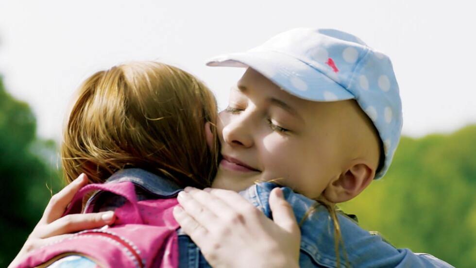 KREFTALARM: Denne uken la kreftforskere i Verdens helseorganisasjon frem The World Cancer Report 2014, som er utarbeidet av en internasjonal forskergruppe. Her er bilde fra en av vinterens store norske barnefilmer og kinoaktuelle, «Kule kidz gråter ikke » som handler om kreftsyke Anja på 12 år. Foto: SF Norge/Cinenord