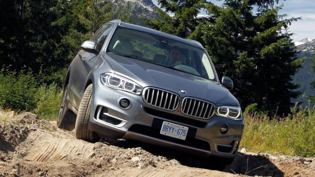 LUKSUS-SUV: Kjøremessig er nye BMW X5 sjefen, det kunne vi konstatere etter å ha kjørt den på test i Canada. Foto: BMW