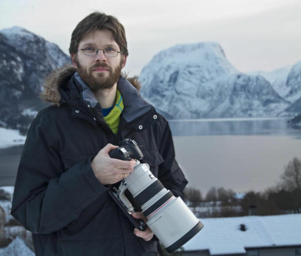 FILMET ILDKULA: Med et takmontert kamera fanget Runar Sandnes fra Norsk Meteornettverk den kreftige ildkula da den lyste opp kveldshimmelen. Foto: Norsk meteornettverk