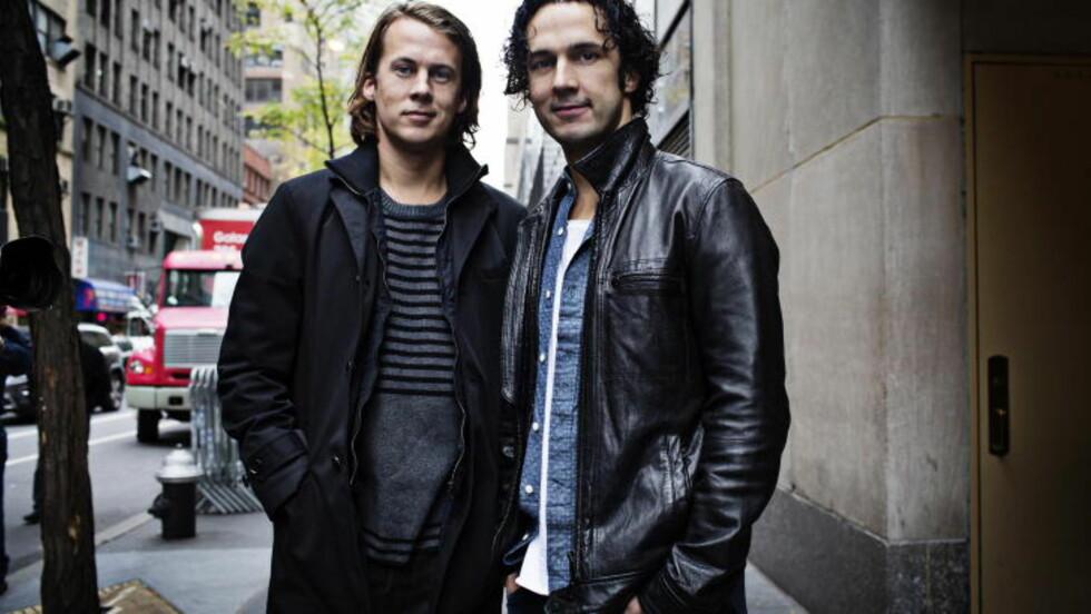 VERDEN RUNDT: Bård og Vegard Ylvisåker har reist verden rundt med «The Fox». Foto: Linus Sundahl-Djerf