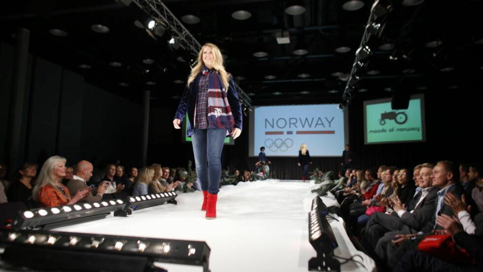 MOTEVISNING: Norske OL-håp viste fram OL-antrekkene i ettermiddag. Foto: Bjørn Langsem / Dagbladet