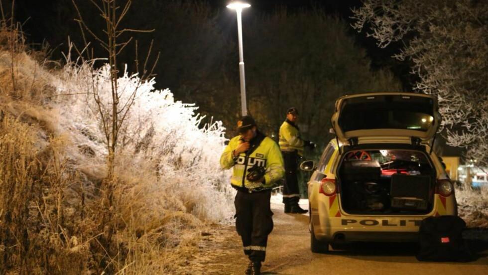 RANET: På denne gangstien på Mortensrud ble en kvinne i slutten av 20-åra ranet i natt. Foto:  Tipser.no/Daniel D. Laabak