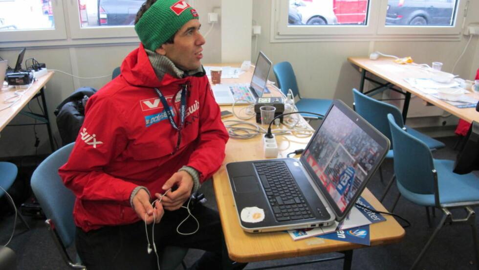 ROSENBORG-SUPPORTER:   Anders Bardal fulgte cupfinalen fra pressesenteret i Klingenthal. FOTO: TORE ULRIK BRATLAND