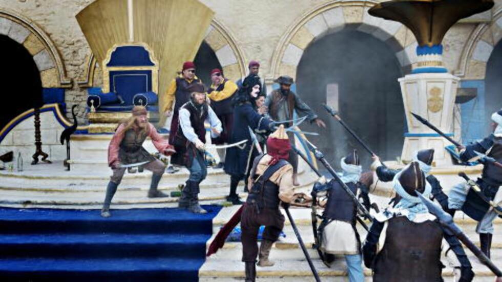 ACTION: Målet er å lage et actionspekket eventyr for hele familien, med tydelig inspirasjon fra Pirates of the Carribean. Her fra innspillinga i Marokko. Foto: Nina Hansen / Dagbladet