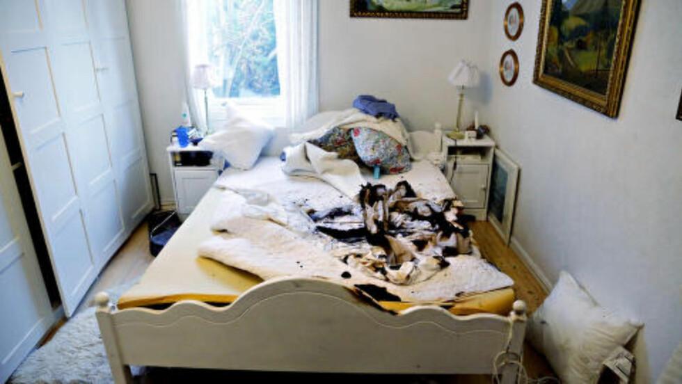 ALVORLIG SKADD:  Samboeren til den kvinnelige legen lå i dobbeltsenga da det begynte å brenne. Han er alvorlig skadd og er foreløpig ikke avhørt. Foto: Jacques Hvistendahl / Dagbladet