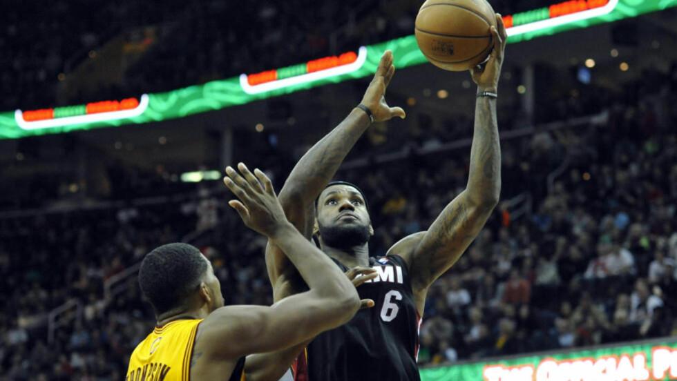 HERJET: LeBron James var kampens store spiller da Miami Heat slo Cleveland Cavaliers. Foto: David Richard / USA TODAY Sports / Reuters / NTB Scanpix