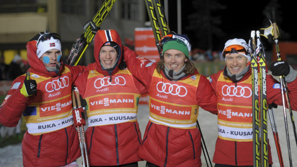 OVERLEGENT:  Kombinertgutta Jørgen Graabak, Magnus Krog, Mikko Kokslien og Håvard Klemetsen vant lagkonkurransen i Kuusamo. Foto: Reuters/Markku Ulander/NTB Scanpix.