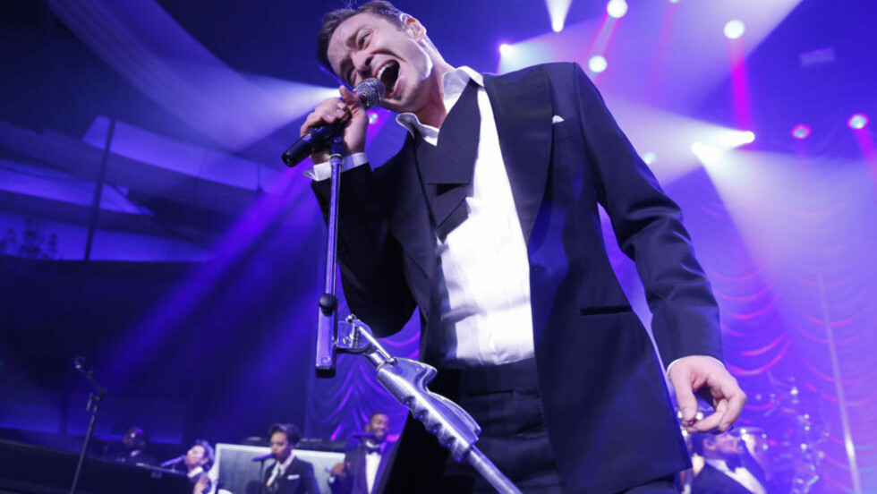 COMEBACK: Med «Mirrors» satte Justin Timberlake skapte på plass, og viste at hans generasjons Justin slett ikke var ute av gamet. Med sine åtte grandiose og uimotståelig klissete minutter tøyer «Mirrors» grensene for hva en kommersiell poplåt kan være, og gjør det med glans. Foto: AP / NTB Scanpix.