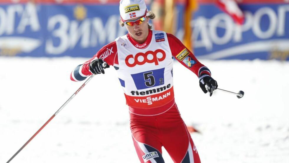 FRA 28. TIL TREDJEPLASS: Mikko Kokslien endte som nummer tre i dagens kombinertrenn. Det etter en formidabel langrennsprestasjon. Foto: Lise Åserud / NTB scanpix