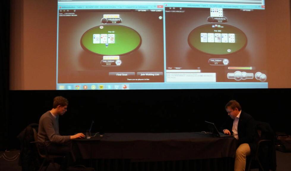 MILLION-DUELL: Ola Amundsgård (kallenavn Odd_Oddsen) er en av Norges fremste pokerspillere. Her setter han en million kroner på spill i møtet med stortingsrepresentant for Frp i Østfold, Erlend Wikborg (t.h). Foto: Frode Fagerli