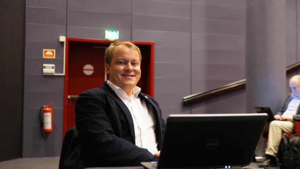 GA OPP MILLIONEN: Frp-politiker Erlend Wiborg hadde mulighet til å vinne én million norske kroner. Men skjønte etter første dag at han ikke hadde en sjanse til å slå pokerproff Ola Amundsgård. Foto: Frode Fagerli
