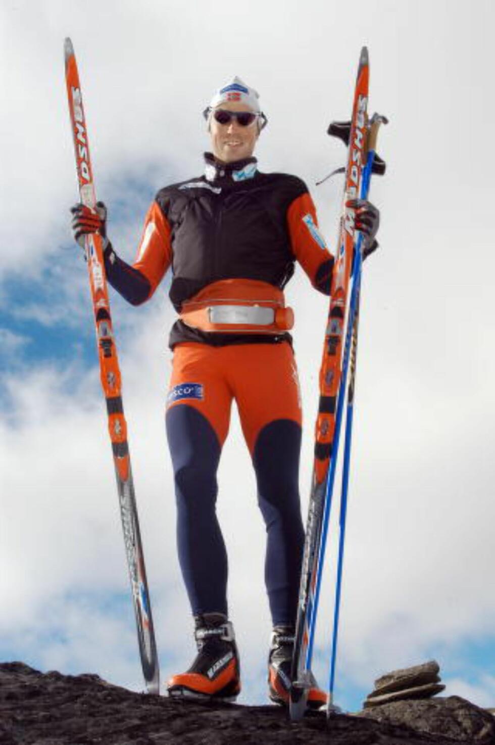 EN MANN FOR SINE SKI: Frode Estil har alltid vært veldig opptatt av utstyret. Nå satser han på å bli best i verden på å slipe ski. Foto: Brynjar Skjærli