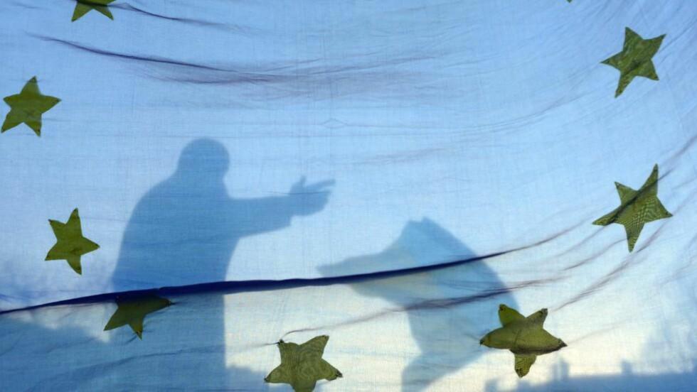 - UFORENLIG MED BORGERNES RETTIGHETER: Det mener EUs generaladvokat Cruz Villalón om Datalagringsdirektivet. Foto: AFP PHOTO/ YURIY DYACHYSHYN.