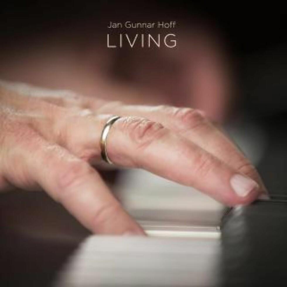 JAN GUNNAR HOFF: «Living».