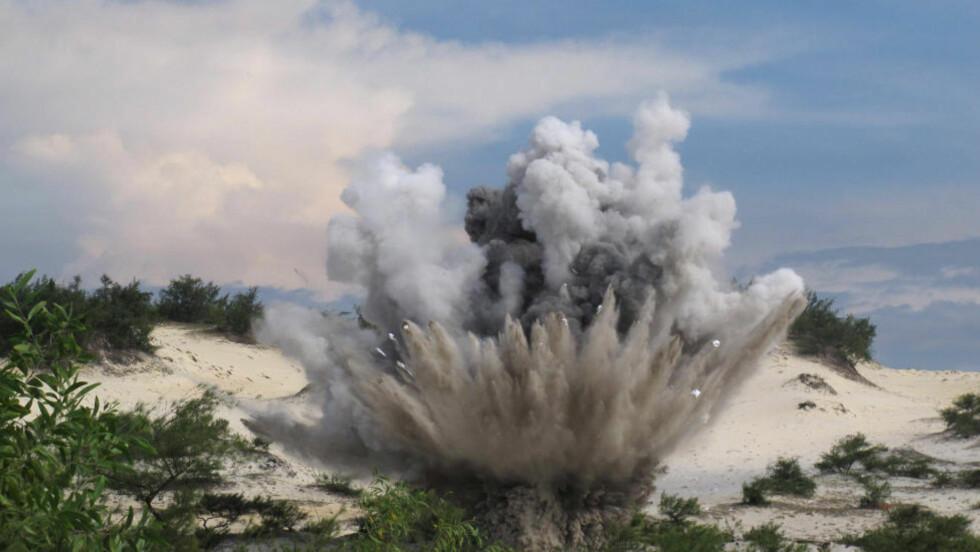 LOKALISERT: Amerikanerne brukte ekstremt mye tid på å slippe ned bomber over Laos, bomber som den dag i dag utgjør en stor sikkerhetsrisiko for flere lands innbyggere. I 2012 ble minst 500 personer skadet av miner og bomber i Laos, Vietnam og i Kambodsja. Foto: AP/CHRIS BRUMMITT/NTB SCANPIX