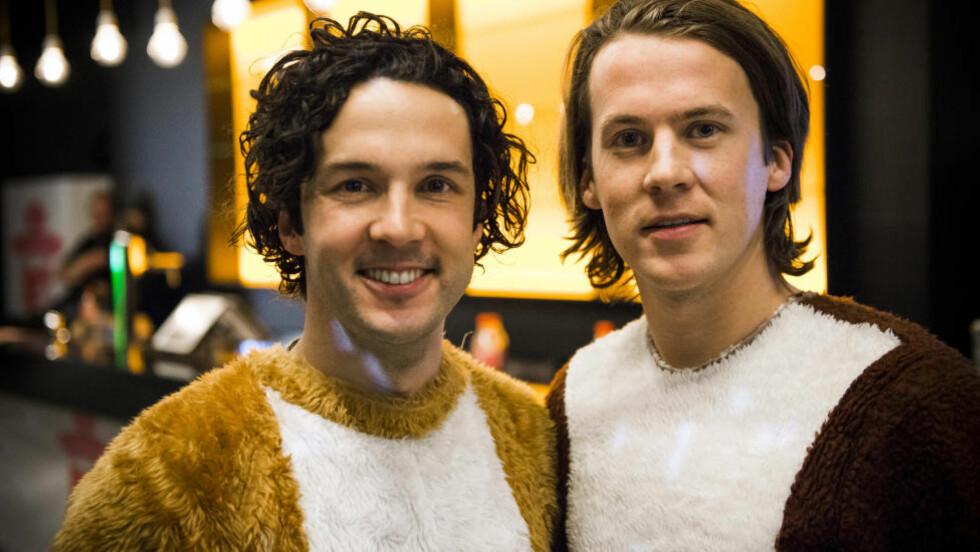 REVESUKSESS: Vegard og Bård Ylivsåker fortsetter suksessen med reven, nå i bokform. Foto: Endre Vellene