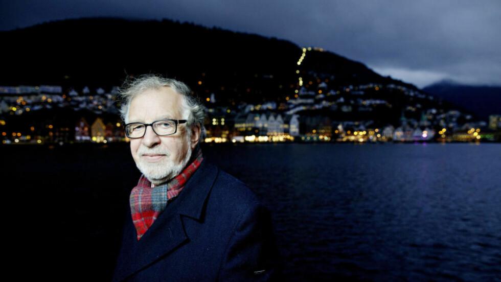 STOPPESTED BERGEN: Etter 150 reisedøgn i året blir det mer tid med kona hjemme i Ålesund nå som pensjonisttilværelsen venter. I 42 år har Bruaset jobbet i NRK, 31 av dem som TV-journalist.  Foto: PAUL S. AMUNDSEN