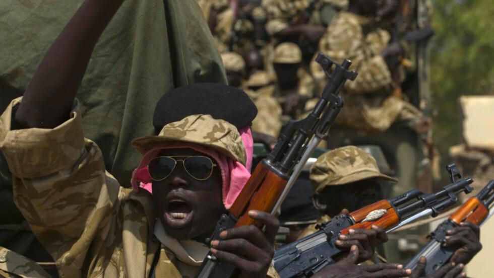 KLARE: Styrker fra den sørsudanske regjeringshæren (SPLA) er klare for en stor konfrontasjon med opprørsstyrkene. Foto: Reuters / NTB Scanpix