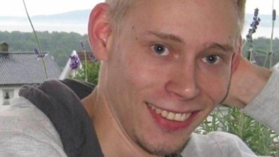BEHANDLES AV LUNENG: Christer Andreassen fra Horten i Vestfold er blant Rolf Lunengs pasienter. Han mener han nå vil fratas retten til å bli frisk etter å vært syk siden flåttbittet i fjor, og kritiserer helsemyndighetenes avgjørelse. Foto: Privat