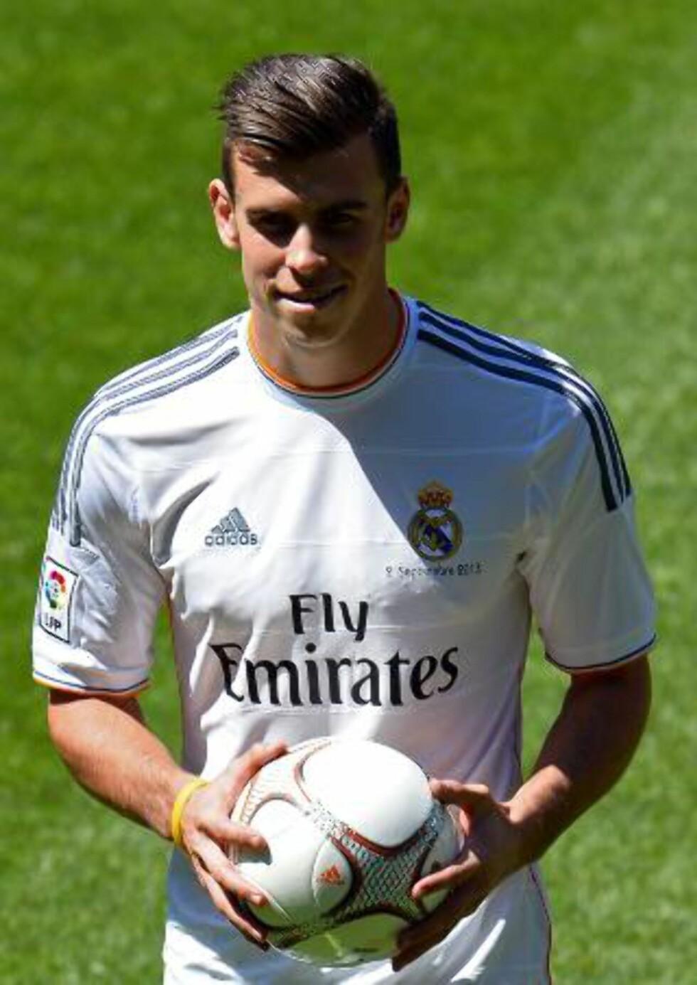 VERDENS DYRESTE: Det kostet Real Madrid rundt 800 millioner kroner å få Gareth Bale til å ta på seg denne drakta. Foto: AFP / NTB scanpix
