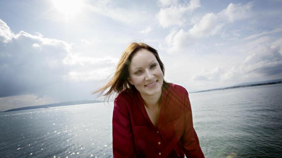 MORSOM: Agnes Ravatn er en av Norges vittigste penner, men fiksjonen har hun fremdeles ikke helt dreisen på. Foto: Anita Arntzen / Dagbladet