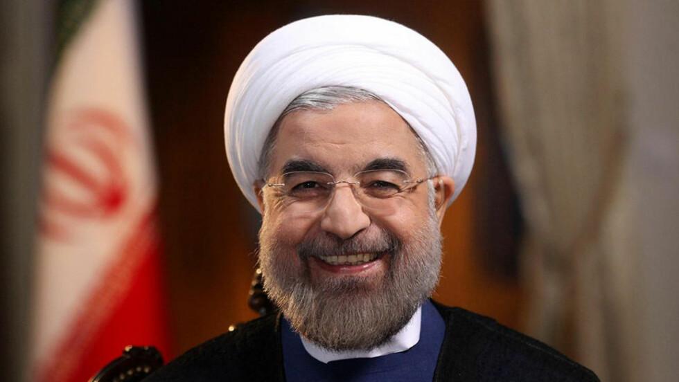 VERDEN VENTER: Irans nye president Hassan Rohani snur om på mye av Irans politikk.  Reuters/President.ir/Handout via Reuters