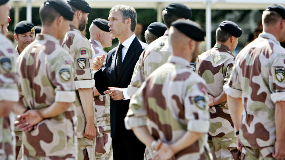 Statsminister Jens Stoltenberg under medaljeutdeling til norske soldater fra Afghanistan.  Foto: Torbjørn Grønning / Dagbladet