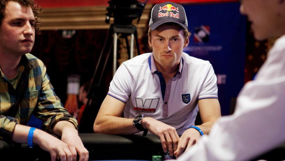 POKER PÅ HJEMMEBANE?:  Petter Northug er en ivrig pokerspiller. Her fra poker-NM i Riga i 2011. Nå åpnes mulighetene for at NM kan arrangeres hjemme i Norge.   Foto: Tore Meek / Scanpix