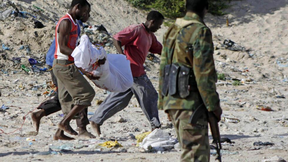 HENRETTET: Kameraten til 23-åringen ble henrettet, mens somalieren fra Larvik ble frifunnet for drapet i Mogadishu i fjor høst. Foto: Farah Abdi Warsameh / AP
