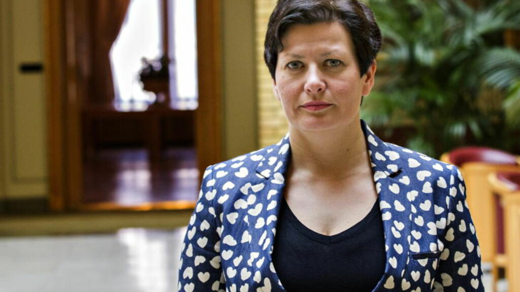 BRØT IKKE GRUNNLOVEN: Da Helga Pedersen (Ap) ble fiskeriminister i 2005, endret hun en forskrift hennes forgjenger Svein Ludvigsen (H) innførte, som i praksis gjorde at fiskekvoteeiere kunne se kvotene som evigvarende. Foto: Torbjørn Berg / Dagbladet