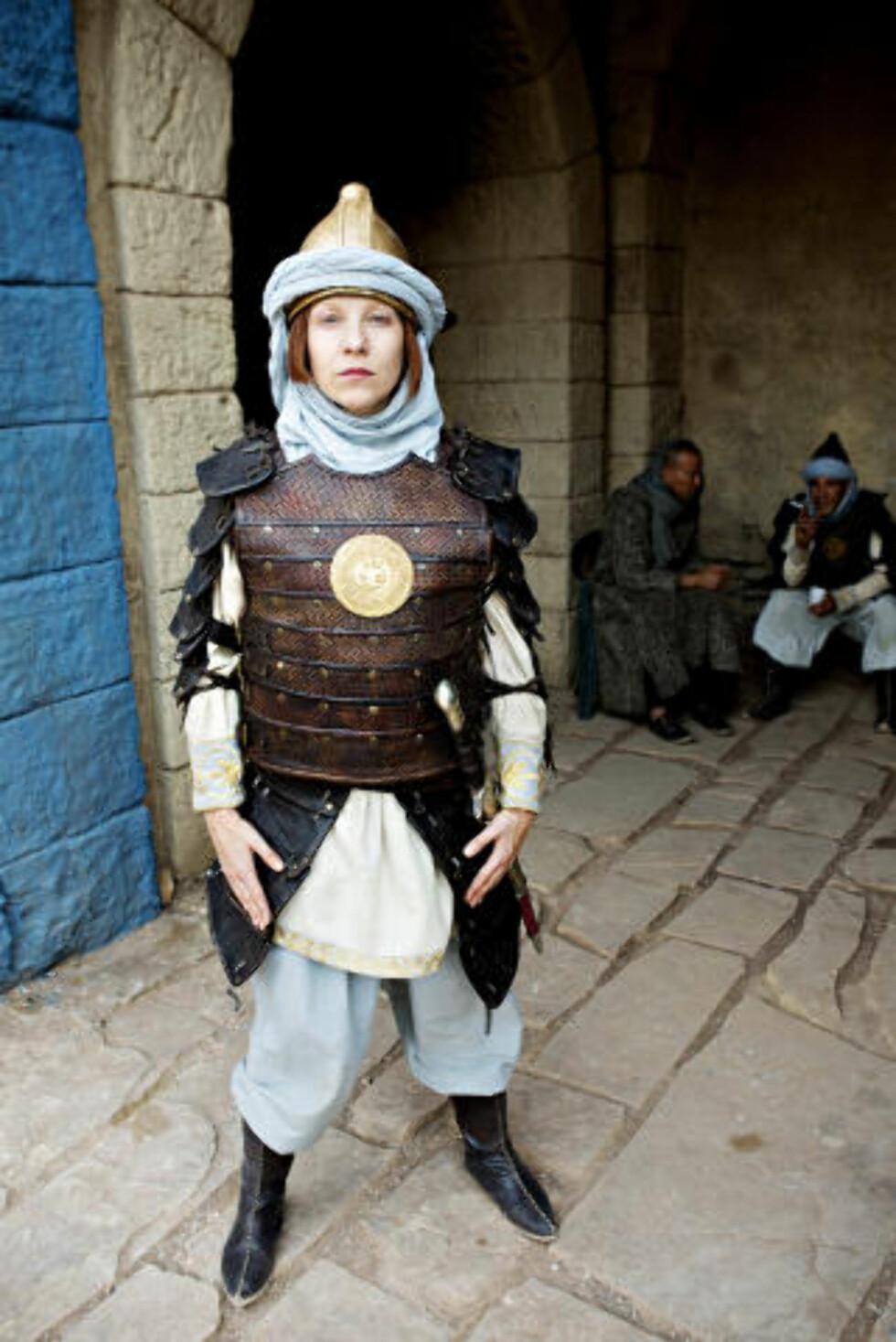 UGJENKJENNELIG: Janne Formoe, som har spilt flere roller i farens Sabeltann-univers, spiller hovedvakten i Lama Rama.