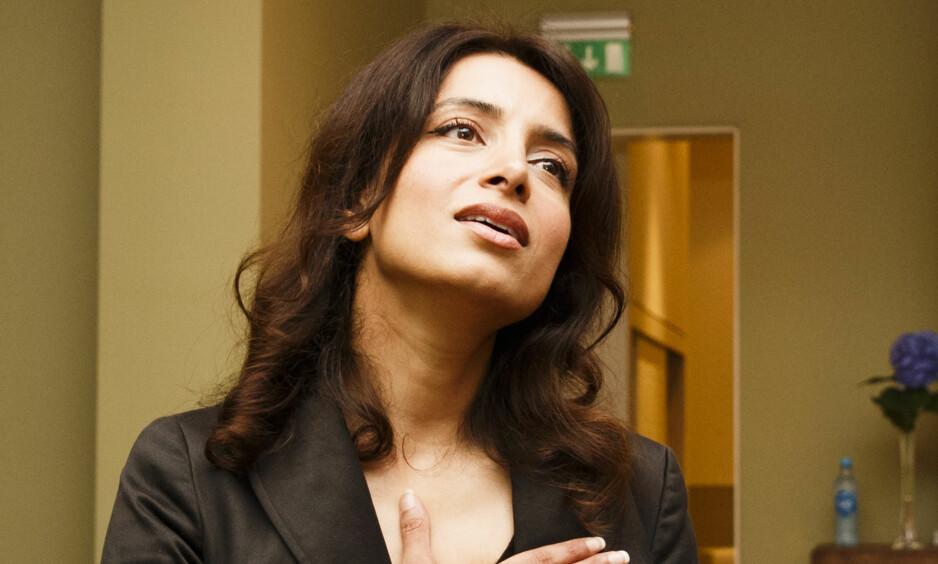 PRISVINNER: Deeyah Khan er tildelt Telenors kulturpris. Her er hun fotografert under en tilstelning i regi av Fritt Ord, da filmen hennes «JIHAD: A story of the others» ble vist. Foto: Berit Roald / NTB scanpix