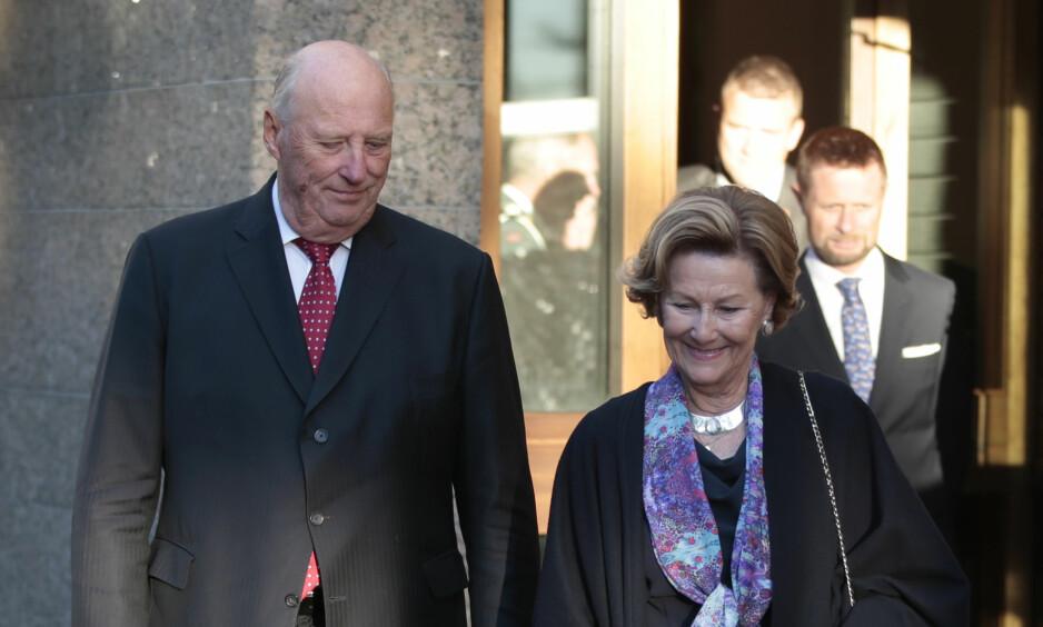 NORSK: Kong Harald greier ikke definere det norske, mener Tommy Sørbø. Her med dronning Sonja. Foto: Lise Åserud / NTB scanpix