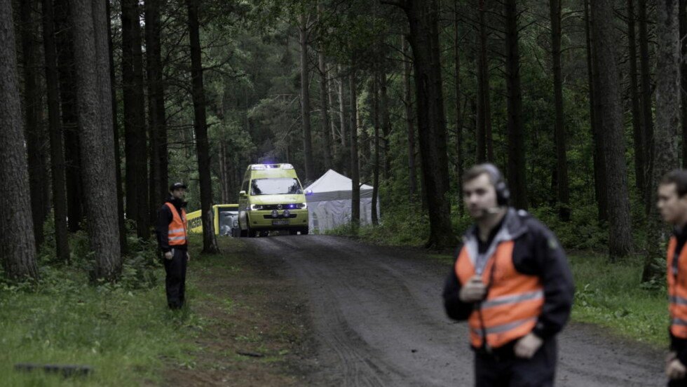 DØDSFALL: Rundt klokka 16 i går fikk politiet beskjed om en alvorlig hendelse som hadde skjedd ved Amfiscenen på Hovefestivalen. Det ble senere kjent at en mann hadde omkommet, etter å ha fått et hjerteinfarkt. Foto: Sveinung U. Ystad, Dagbladet