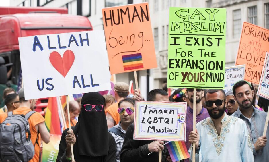 MUSLIM OG HOMO: Ingen av de store verdensreligionene er klart imot eller for homofili, selv om det finnes ulike tolkninger, skriver artikkelforfatteren. Bildet er fra Pride-paraden i London i juni. Foto: DPA / NTB Scanpix