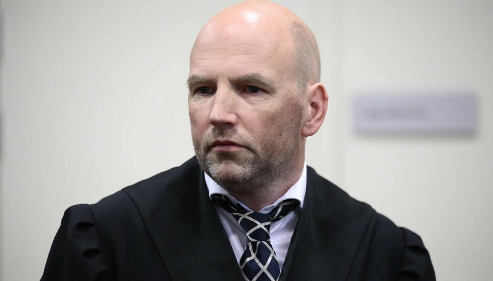Brynjar Meling forsvarer Henning Hotvedt. Foto: Bjørn Langsem / Dagbladet