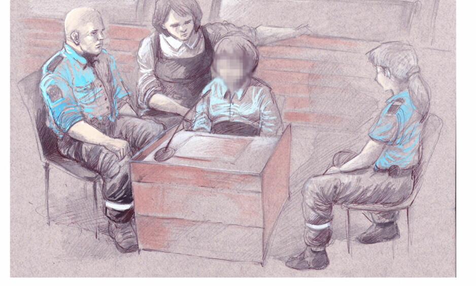 TILREGNELIG ELLER IKKE : Den 16 år gamle jenta som er tiltalt for overlagt drap på miljøarbeideren Anna Kristin Gillebo Backlund erkjenner ikke straffskyld etter tiltalen. Tegning: Fedor Sapegin